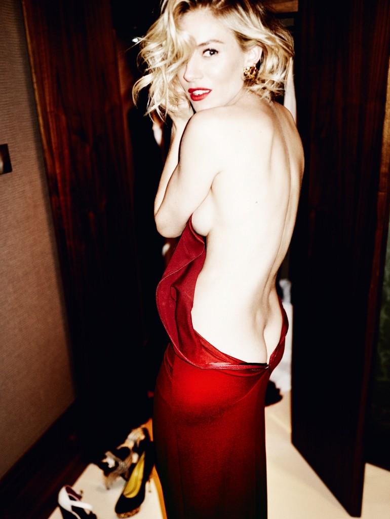 Les seins de Sienna Miller nue