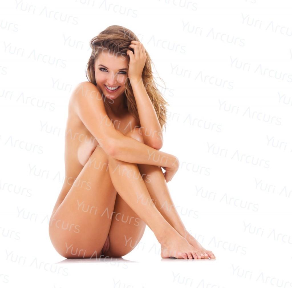 Alyssa-Arce-Naked-16-1024x1009