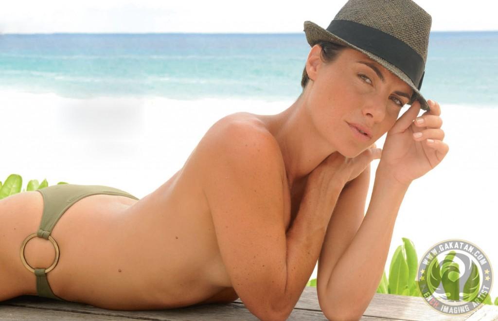 Toutes les photos d'Alessandra Sublet nue et seins nus