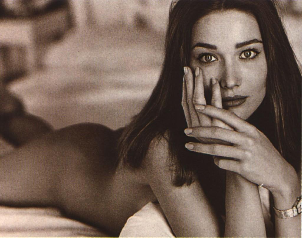 Toutes les photos de Carla Bruni nue et seins nus