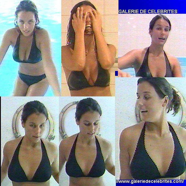 Toutes les photos de Faustine Bollaert nue et seins nus