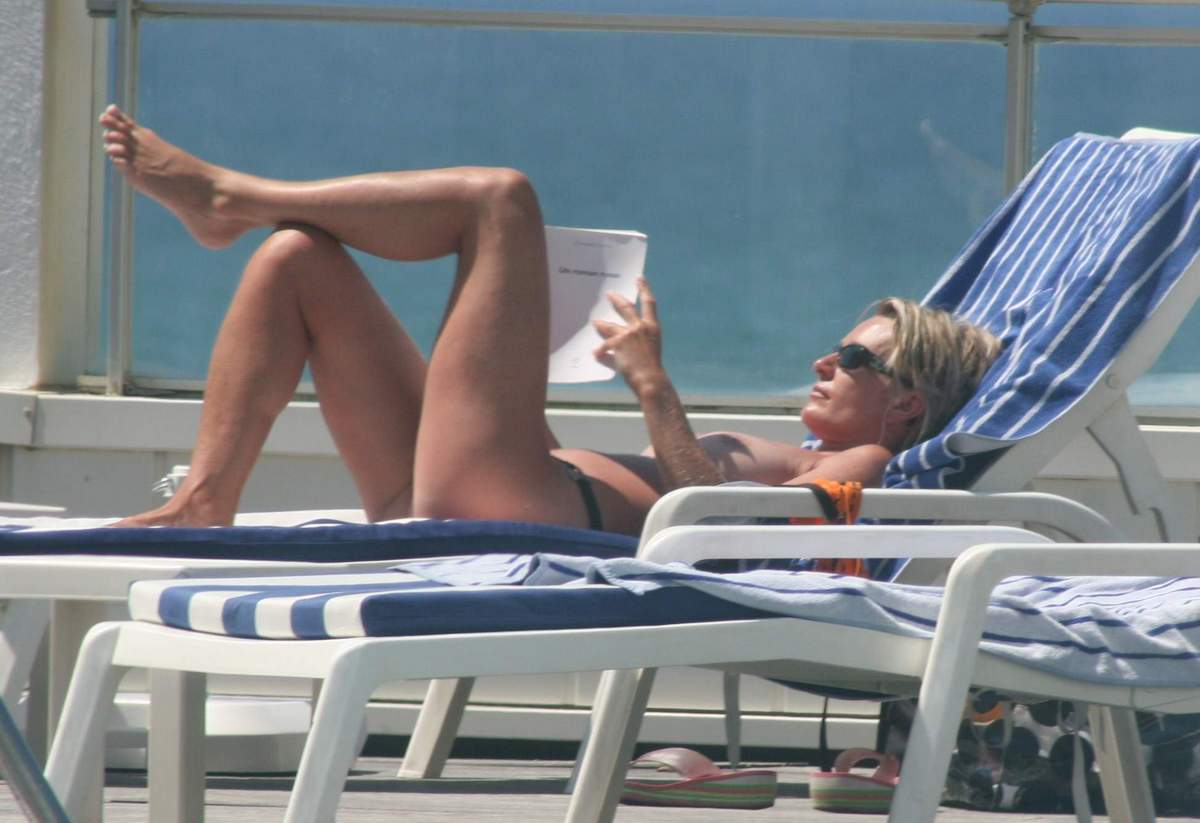 Attractive Sophie Davant Nude Gif