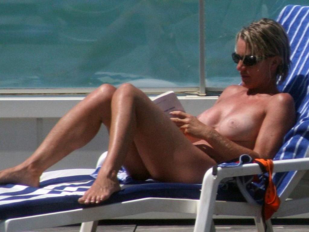 Toutes les photos de Sophie Davant nue et seins nus