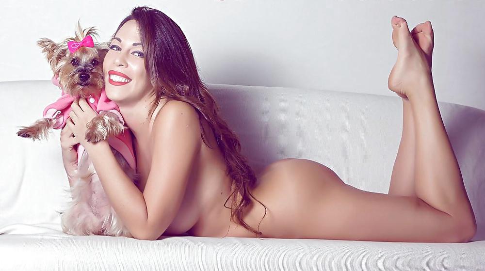 Toutes les photos de Kim Glow nue, seins nus (les marseillais W9) LCVSLM
