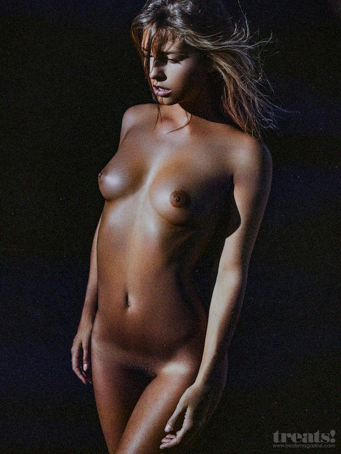 Encore des photos de Marisa Papen nue et sexy