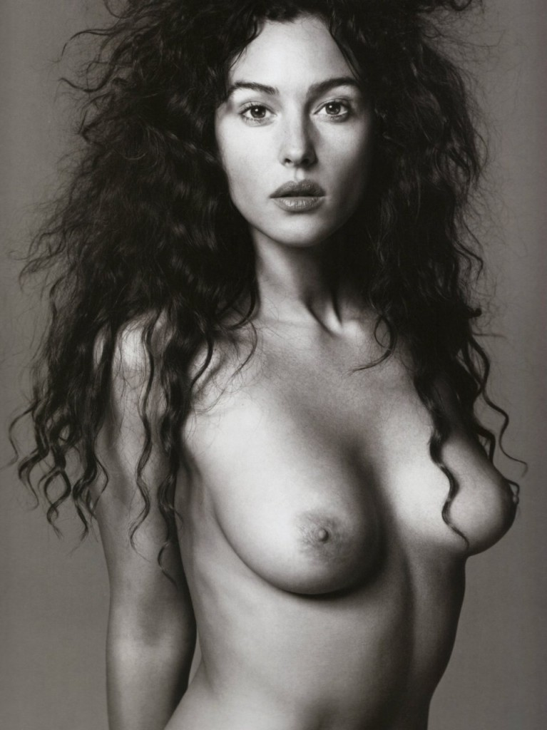 De vieilles photos de Monica Bellucci nue