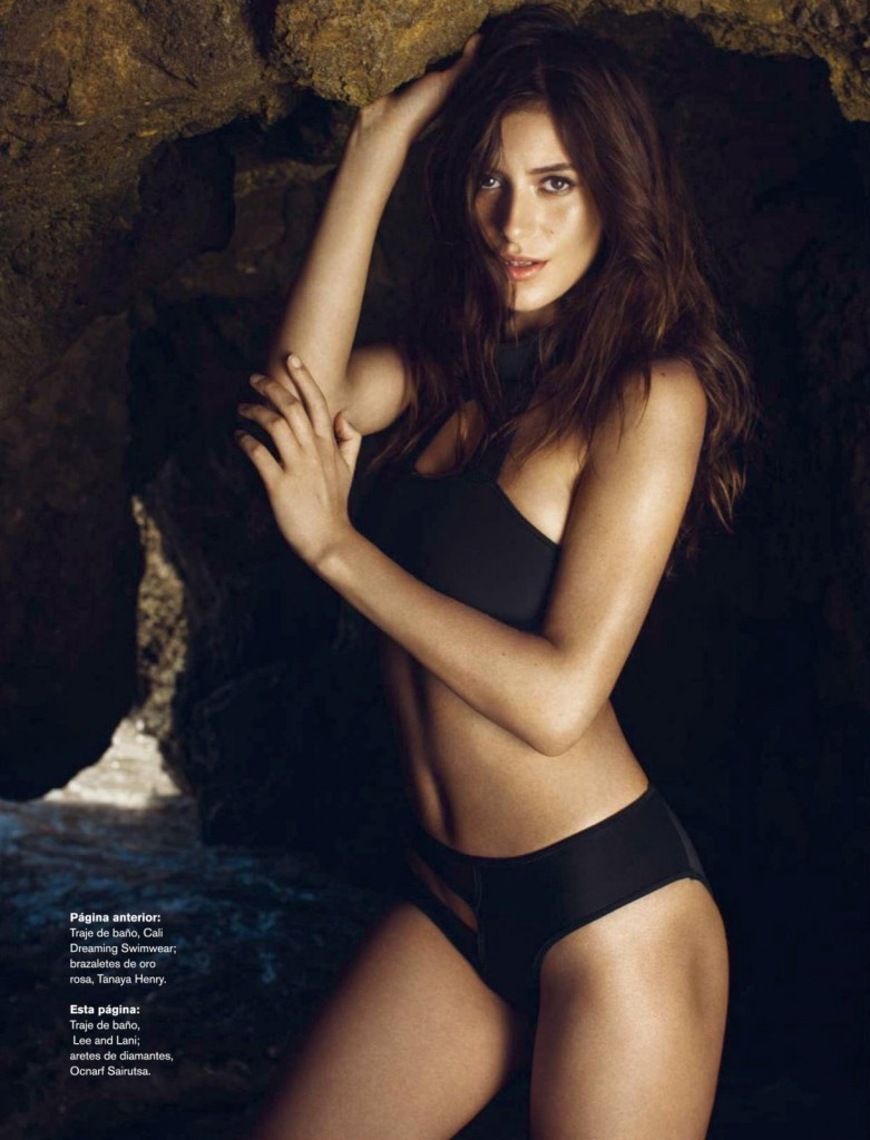 Alejandra-Guilmant-Topless-13-781x1024