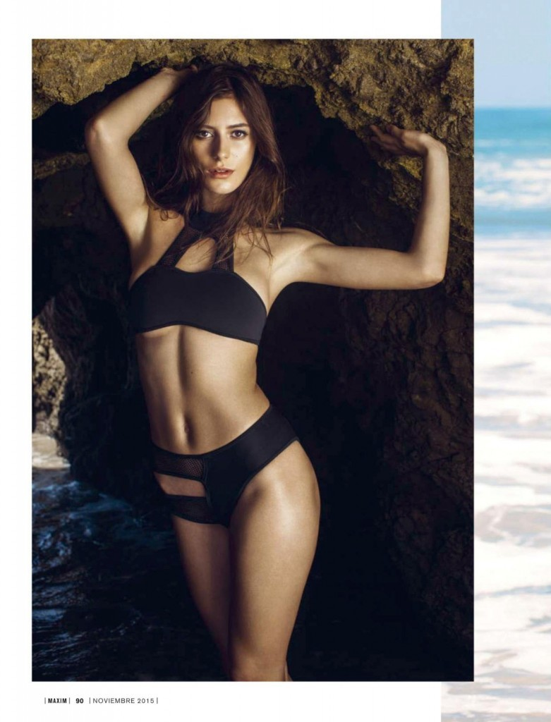 Alejandra-Guilmant-Topless-6-781x1024