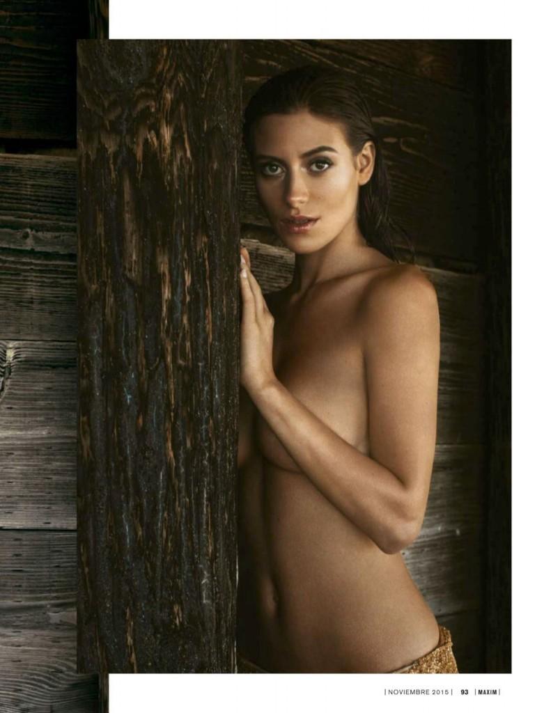 Alejandra-Guilmant-Topless-7-781x1024