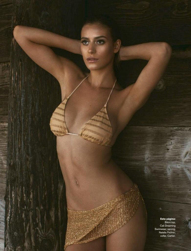 Alejandra-Guilmant-Topless-9-781x1024