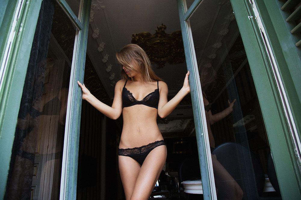 Encore des photos de Marisa Papen nue et hot