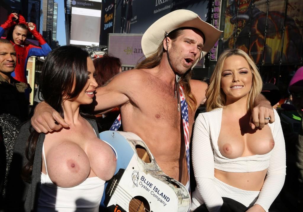 Nikki-Benz-Alexis-Texas-Topless-8-1024x717