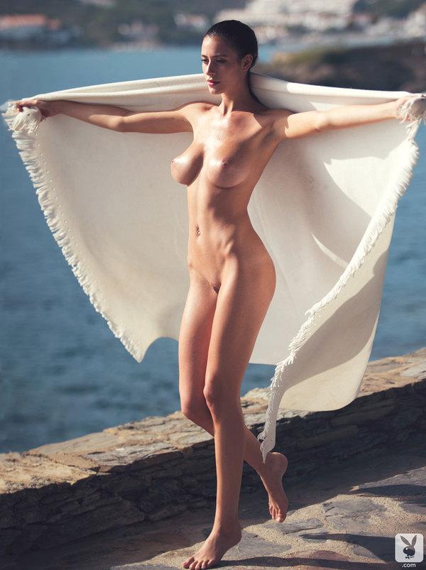 alejandra-guilmant-nue-nude-sexy-hot-6