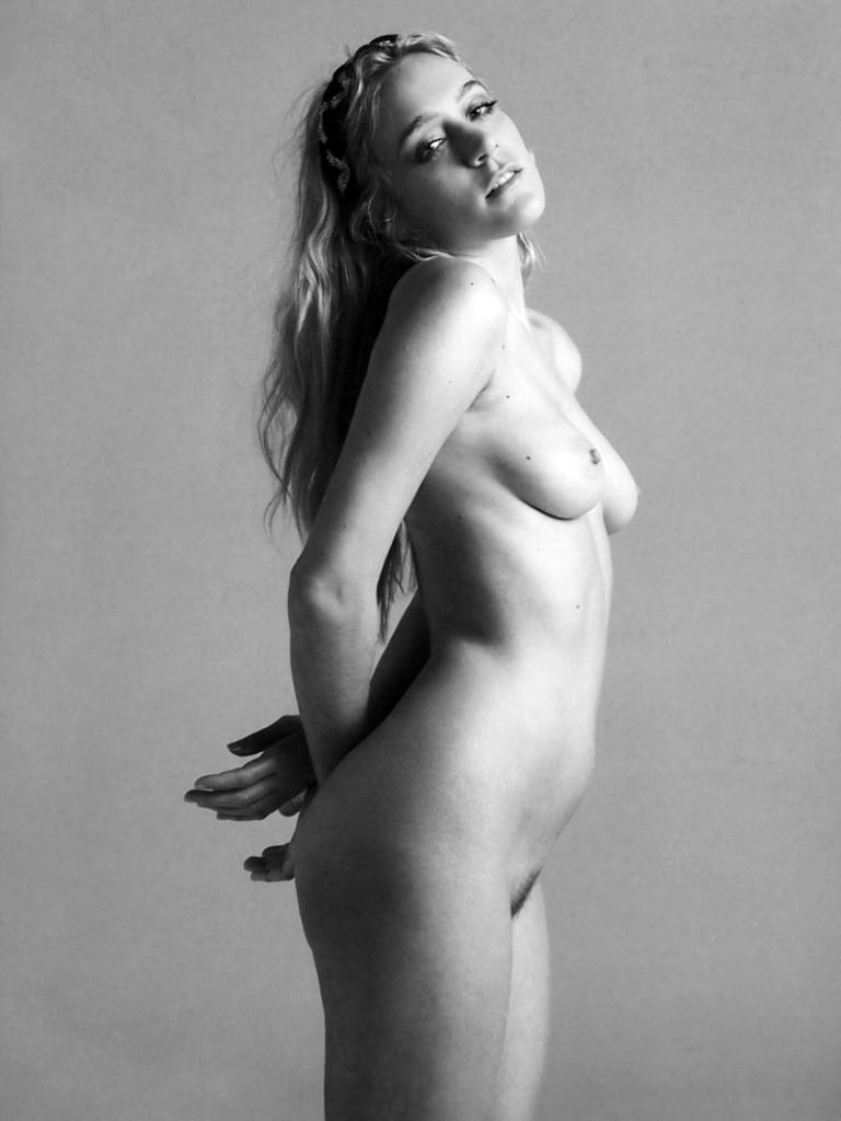 Chloe-Sevigny-Naked-3-768x1024