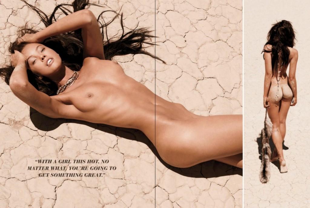 Toutes les photos de Stephanie Corneliussen nue et seins nus