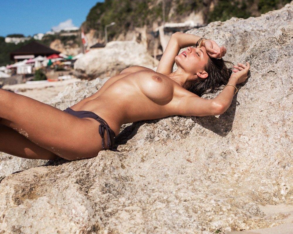 Alyssa-Arce-nude-naked-hot-sexy-2