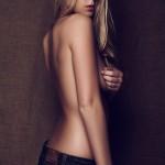 Toutes les photos de Fanny Salvat nue et seins nus (Les Marseillais)