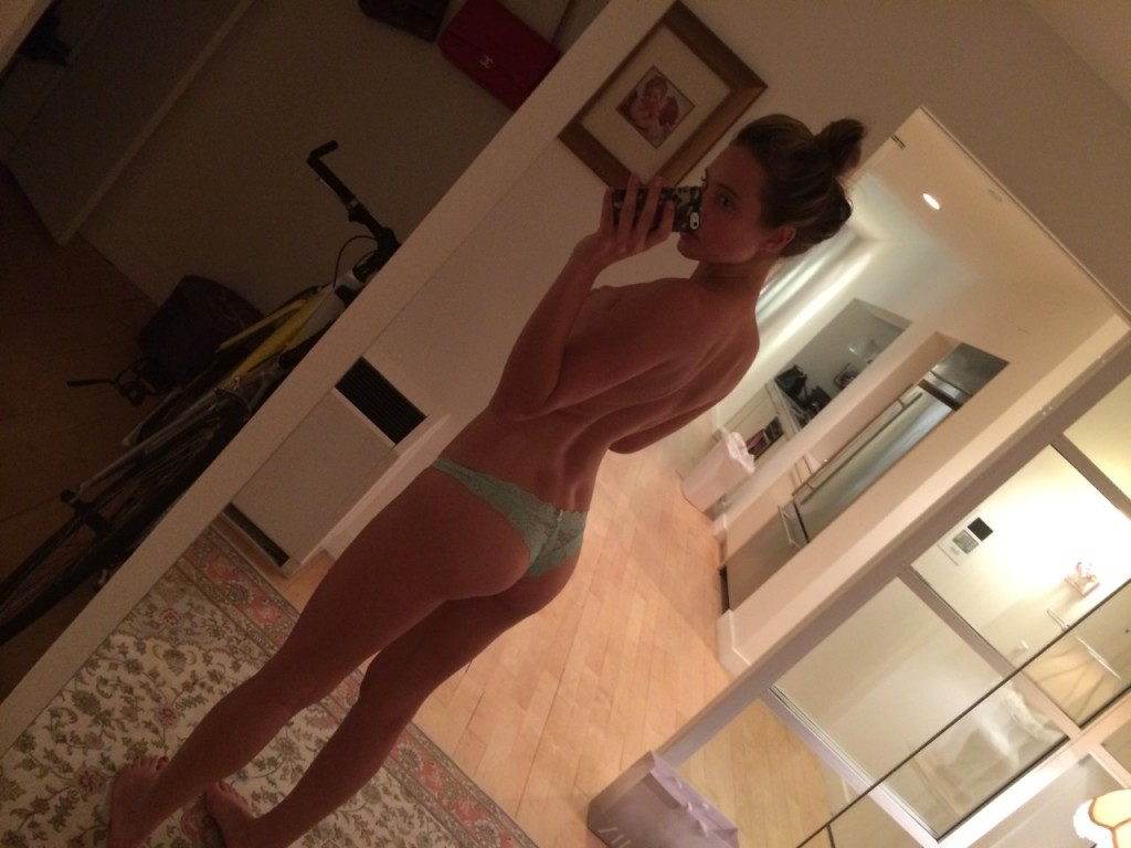 Hannah-Davis-Nue-seins-nude-naked-leaked-pics-fappening-hot-sexy-3