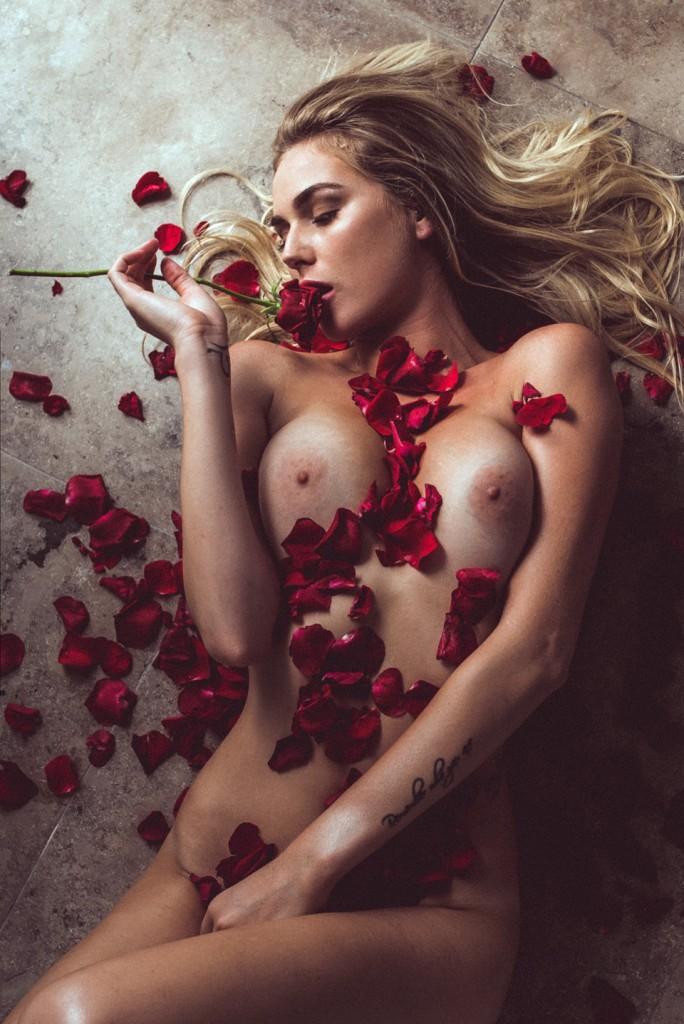 Encore des photos de Paige Marie Evans nue
