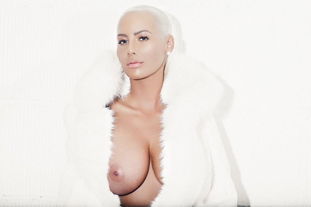Miam les seins d'Amber Rose