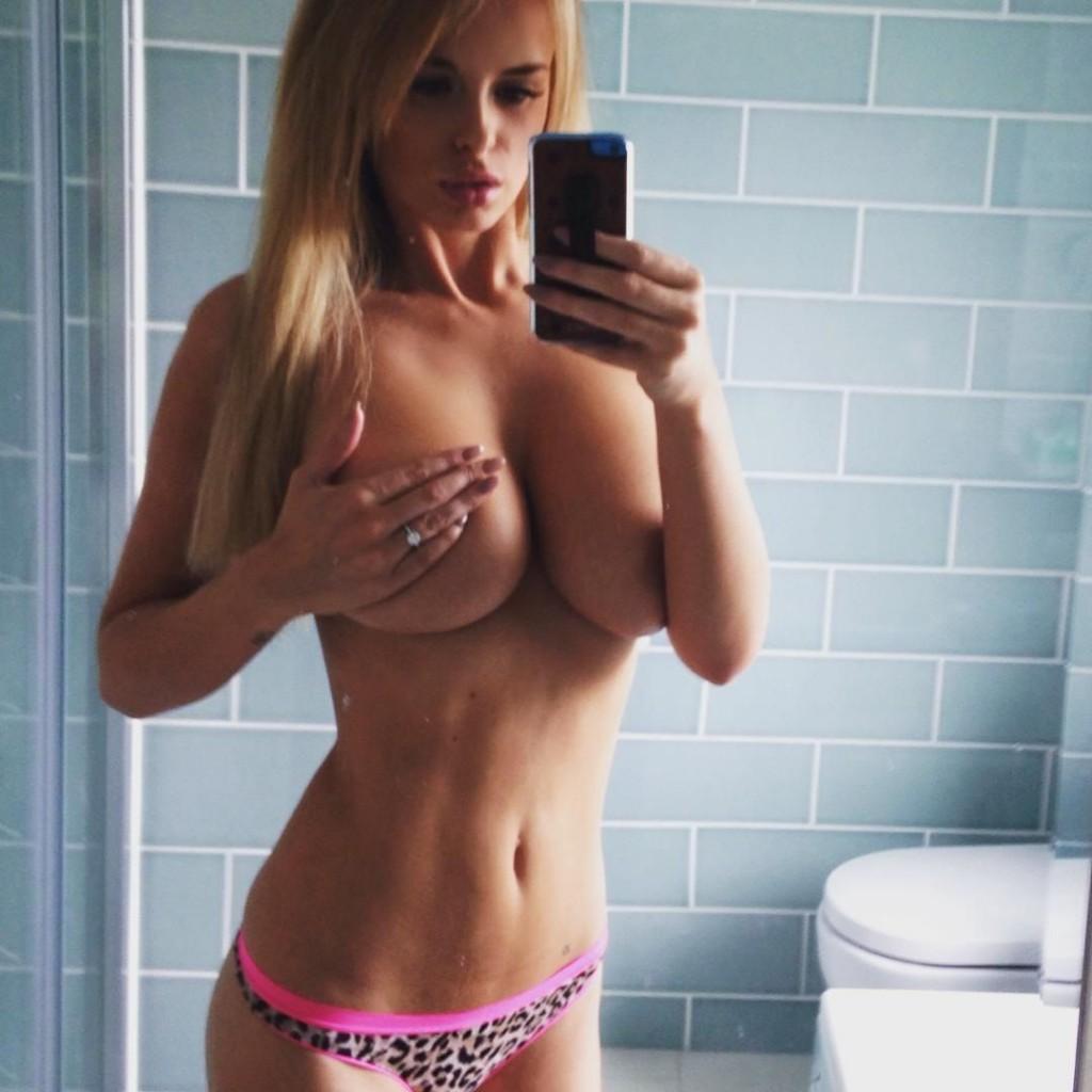 Rhian-Sugden-Nude-Nue-Naked-Topless-Selfie-2