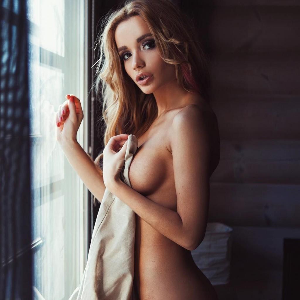 Toutes les photos de Ekaterina Zueva nue