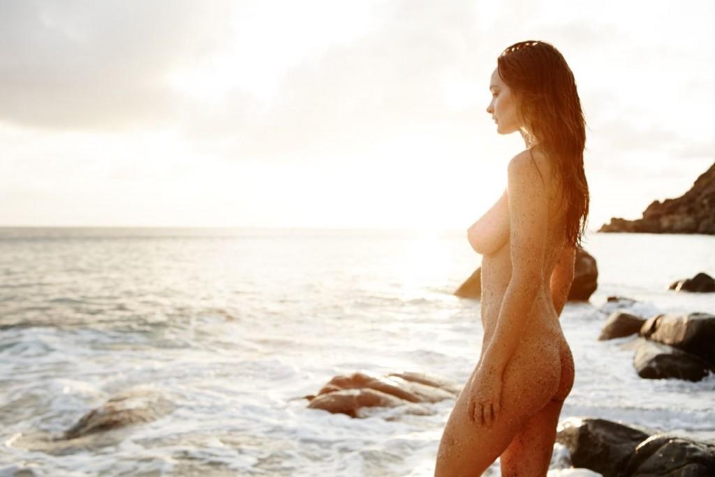 Des photos de Kristen Rain nue et seins nus