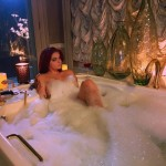 Une photo de Ariel Winter nue dans son bain