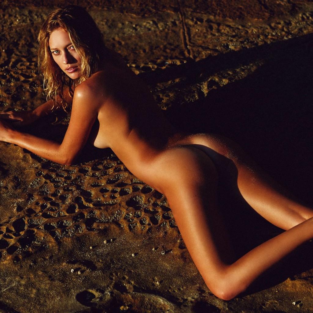 Des photos de Zippora Seven nue et seins nus
