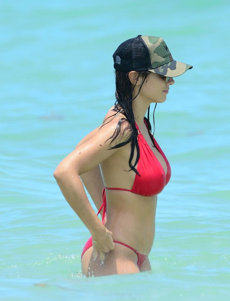 Ludivine Sagna sexy en bikini