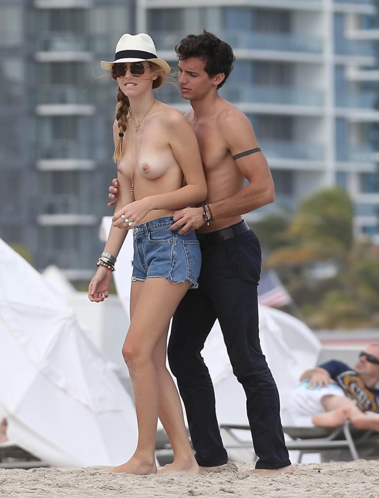 Oops les seins de Chiara Ferragni nue et seins nus