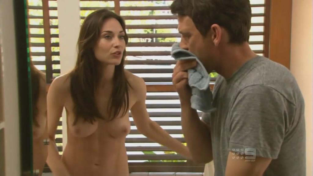 Toutes les photos de Claire Forlani nue et seins nus