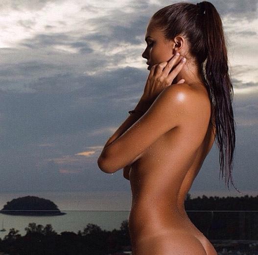 model-viki-odintcova-nue-seins-sexy-13