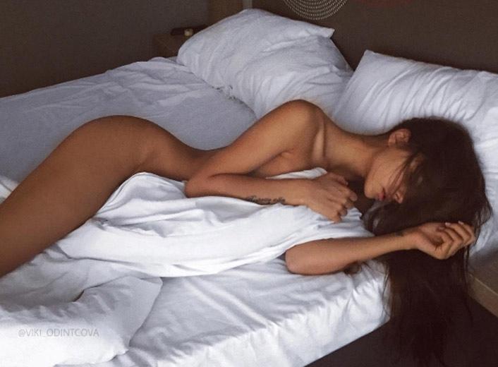 model-viki-odintcova-nue-seins-sexy-25