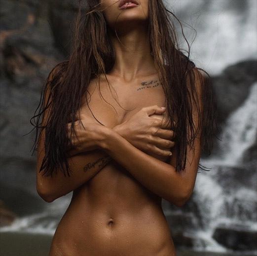 model-viki-odintcova-nue-seins-sexy-27