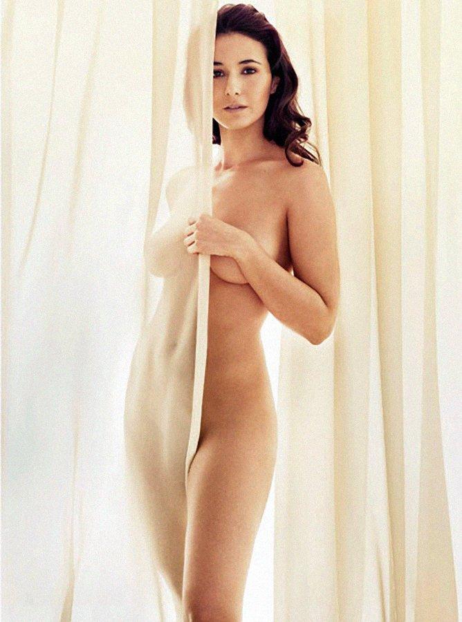 Emmanuelle-Chriqui-Nue-Seins-Sexy-5