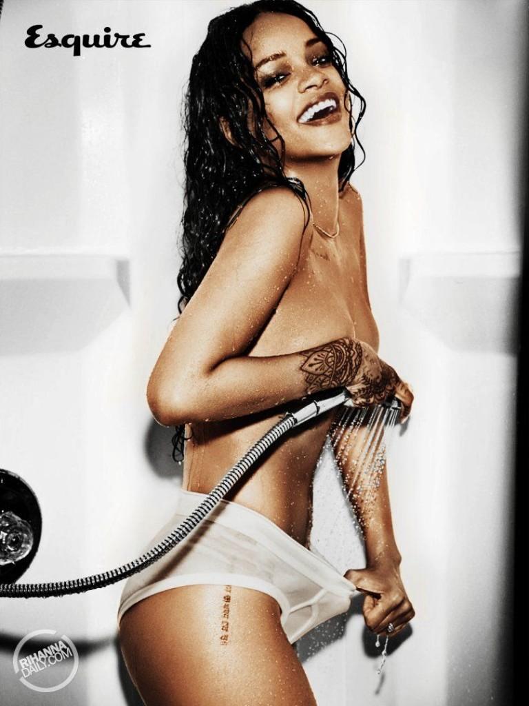 Rihanna-Nue-Seins-Sexy-7