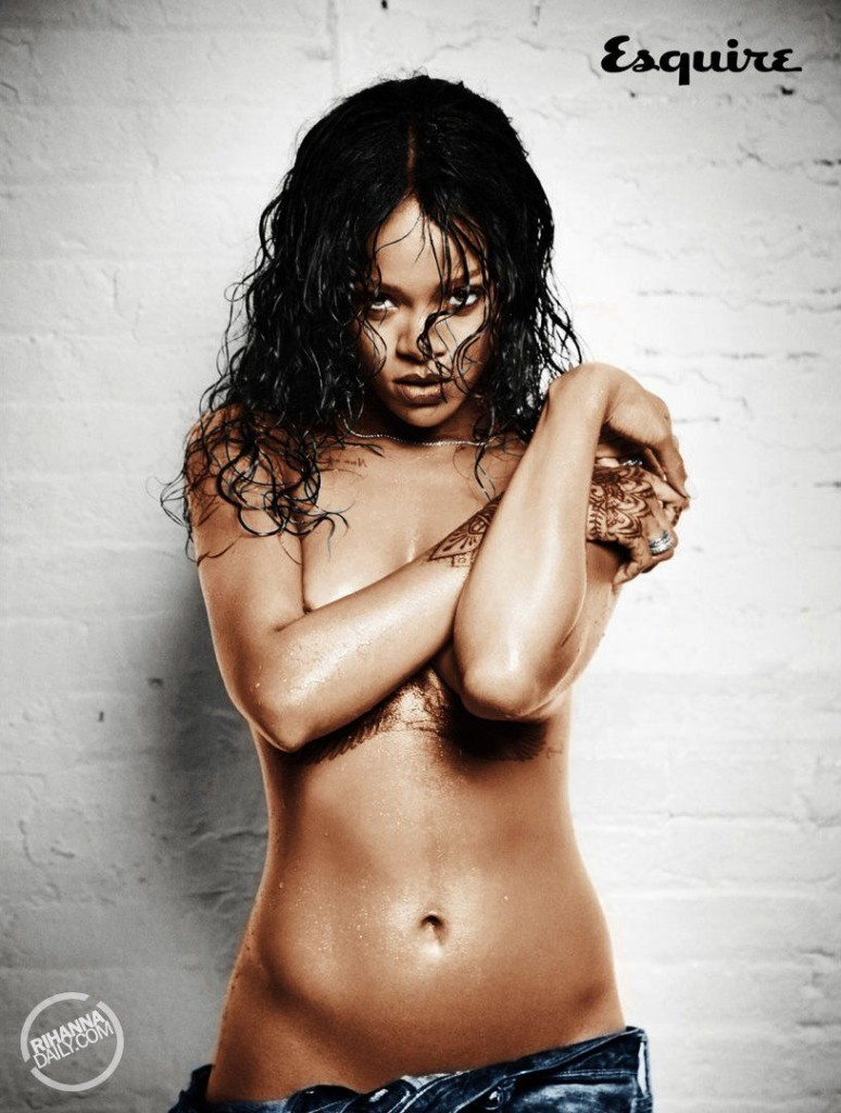Rihanna-Nue-Seins-Sexy-8