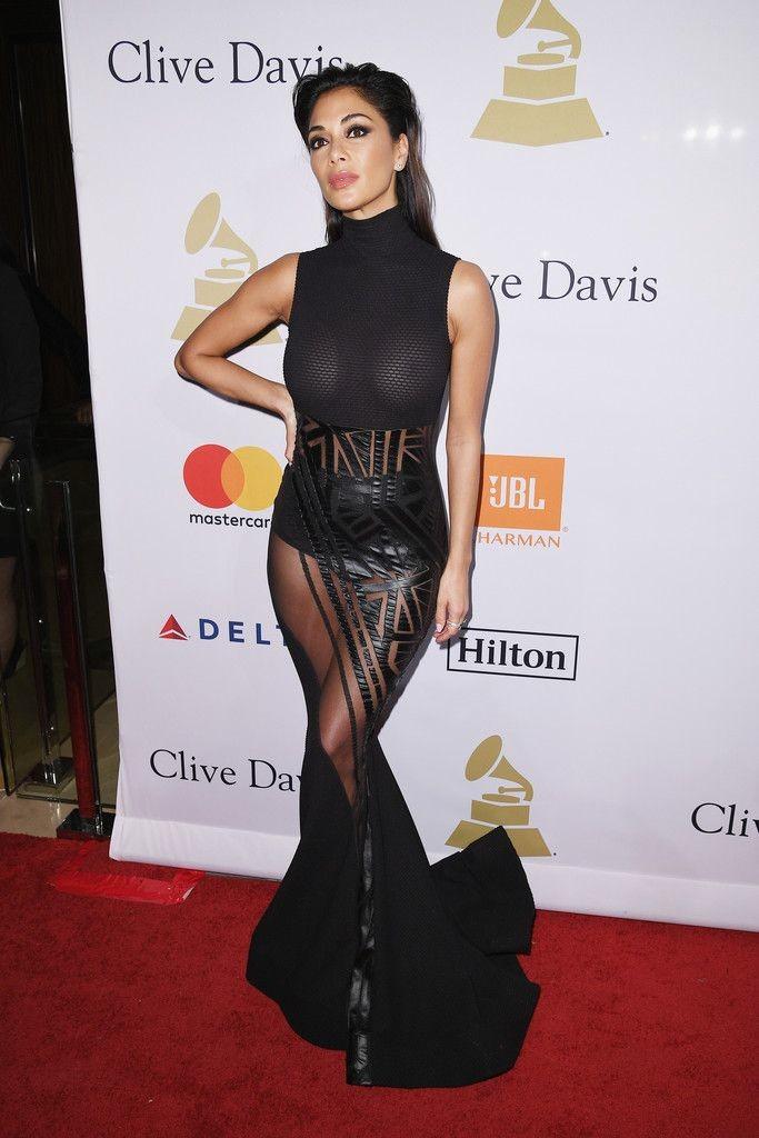 seins-Nicole-Scherzinger-nue-sexy-oops-3