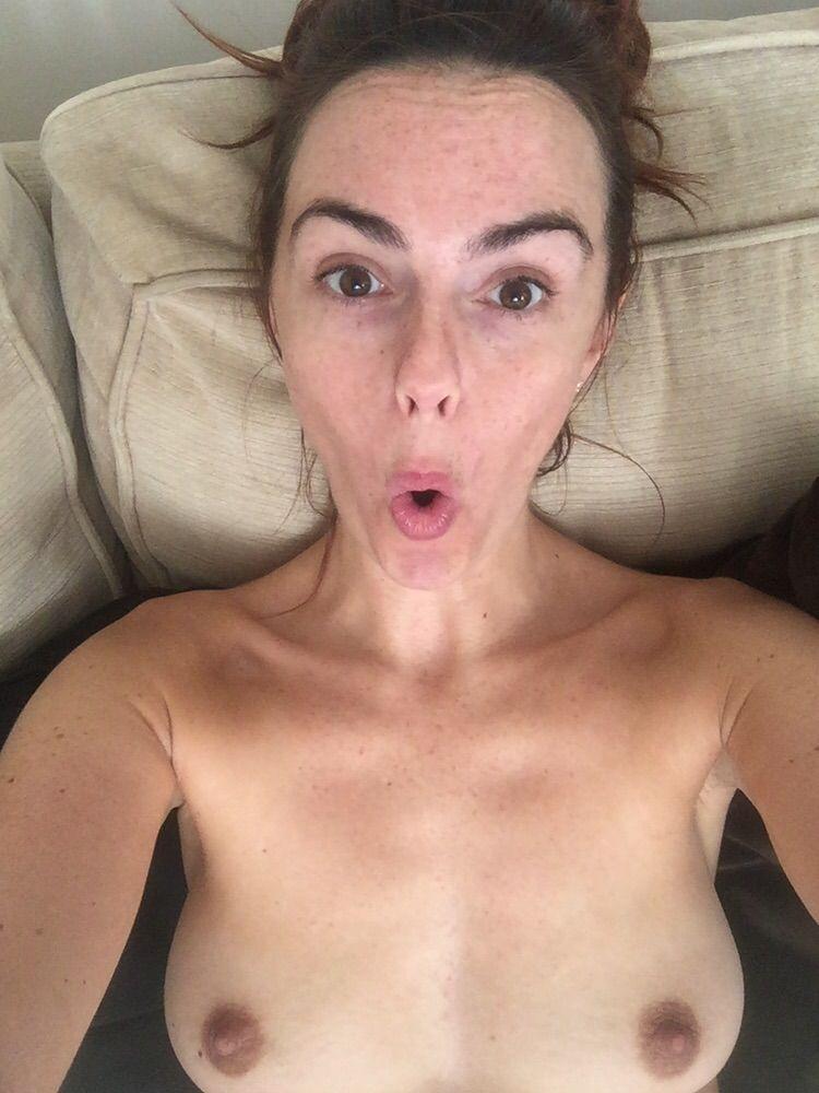 Toutes les photos volées de Jennifer Metcalfe nue et seins nus