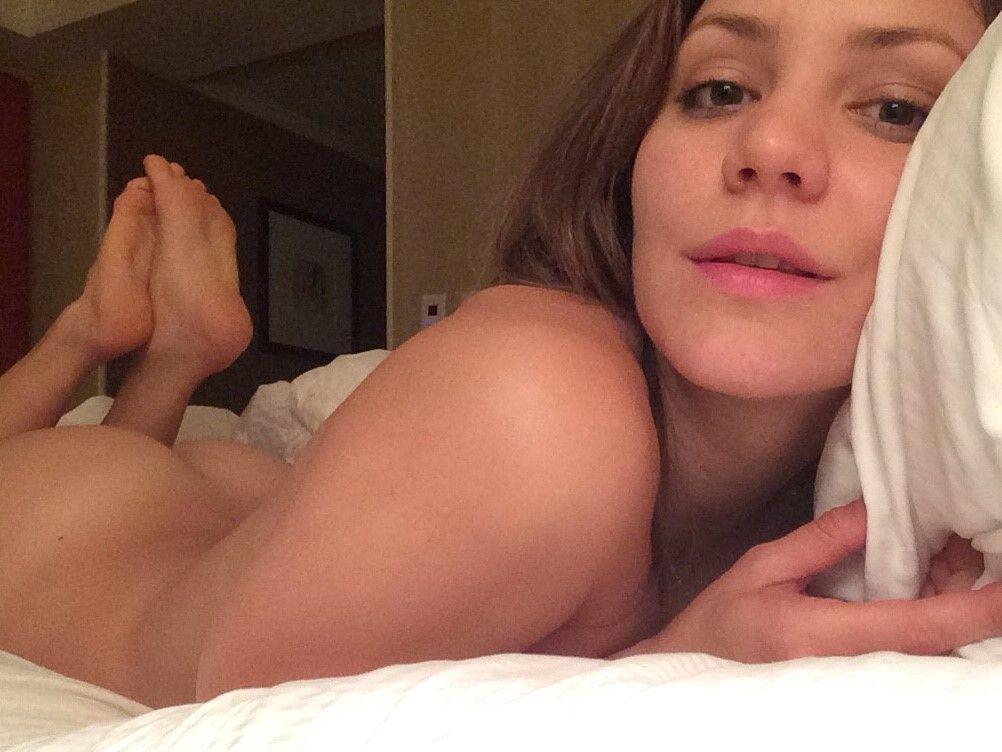 Toutes les photos volées de Katharine McPhee nue et seins nus