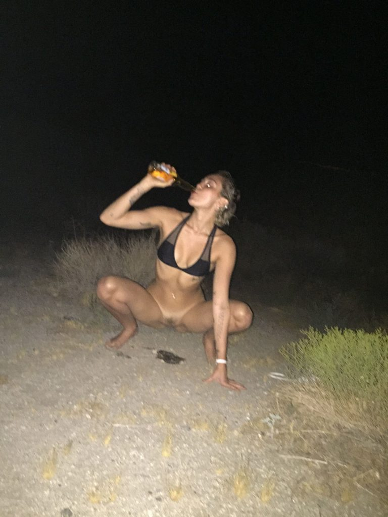 Nude milf tits-7804