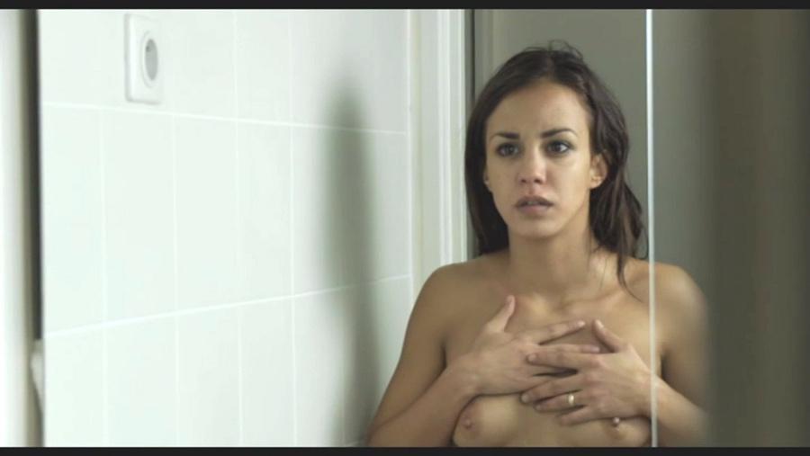 Toutes les photos de Alice Belaïdi nue et seins nus