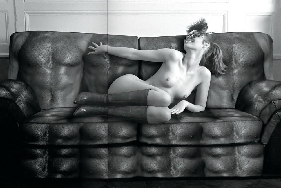 Toutes les photos de Louise Bourgoin nue et seins nus