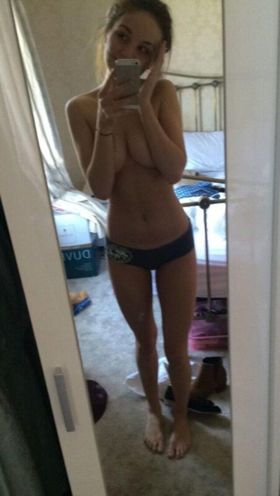 Toutes les photos volées de Eden Taylor-Draper nue et seins nus