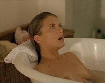 Toutes les photos de Mélanie Laurent nue et seins nus