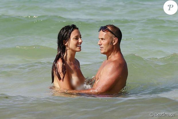 Toutes les photos de Delphine Wespiser nue et seins nus