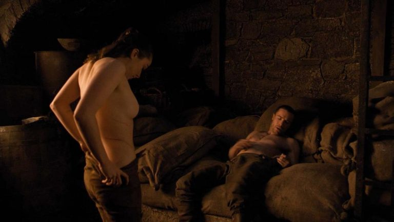 Les images de Maisie Williams nue dans Game Of Thrones
