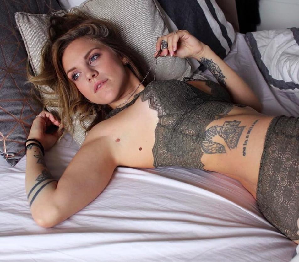 Toutes les photos de Emy Ltr nue