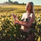 Toutes les photos de Laure Marie nue et seins nus